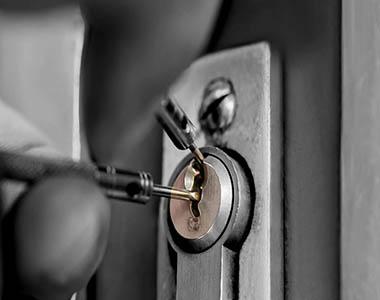 LUREX IMPEX DESIGN S.R.L, Reparații încuietori
